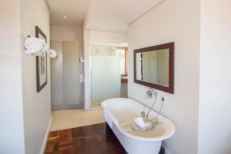 CBR-premier-room8-bathroom