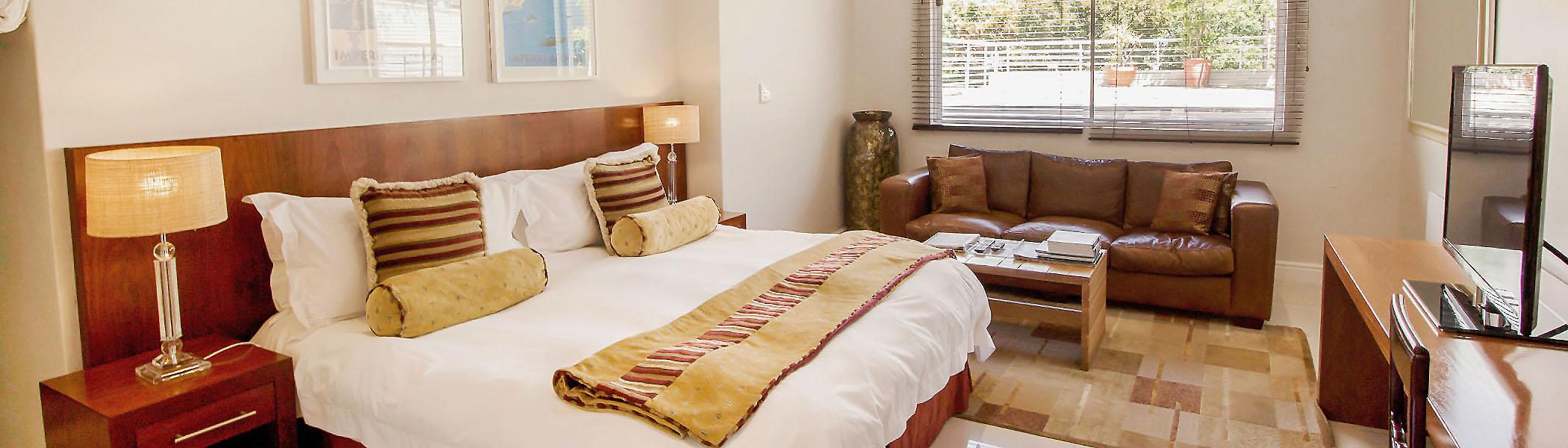 CBR-slider-premier-room-villa15-bedroom