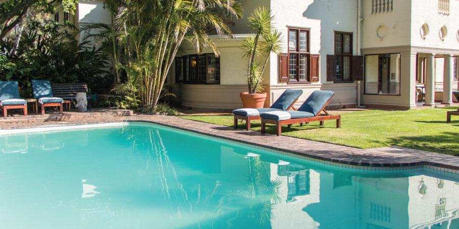 camps-bay-retreat-main-pool