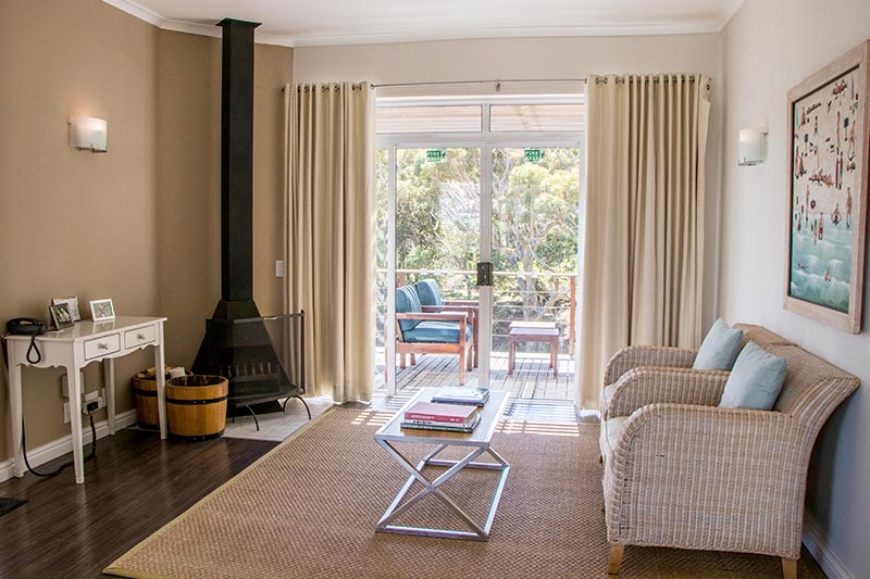 camps-bay-retreat-suite16-balcony-living-room-2