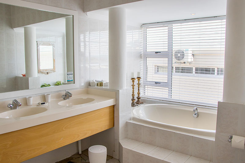 camps-bay-retreat-suite16-bathroom-new